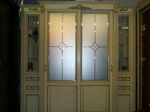 Классический шкаф купе массив с фацетными зеркалами и гравировкой Краснодар