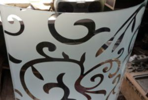 Стекло радиусное с пескоструйным рисунком для радиусных дверей Краснодар