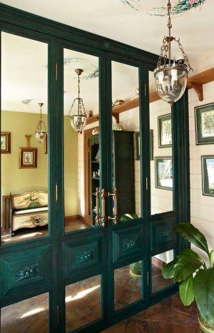 Распашные двери филенкой и декоративными накладками Краснодар